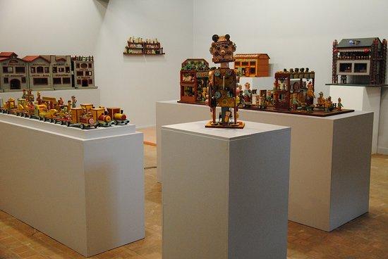 """Musee Le Carroi: Exposition """"pierre petit des temps modernes à l'art brut"""", 2014"""