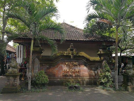 Uber Bali Tour