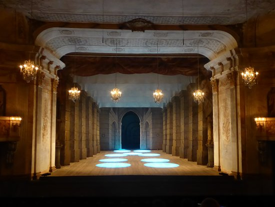 Istana Drottningholm: the stage in the Court Theatre