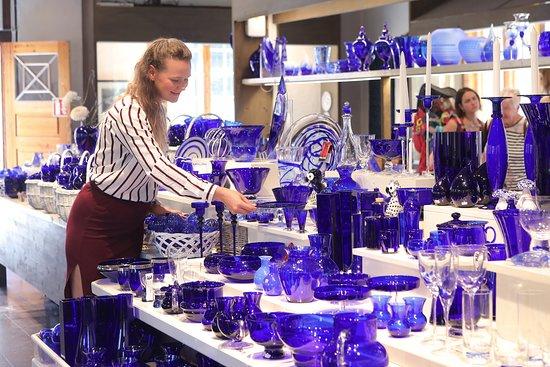 Buskerud, Norway: Den Blå Butikk på Blaafarveværket, Nordens største utvalg av blått glass