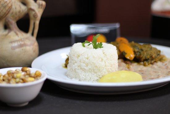 Pato estofado con arroz y frejol!!!