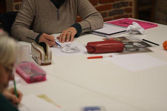 La Ferme de Corcelle: Un exemple d'une séance de cours de dessins