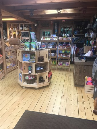 Ashford, CT: Store remodeled 2018