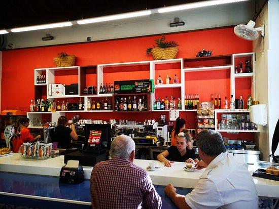imagen Cafetería Puerto Fumergas en San Sebastián de la Gomera