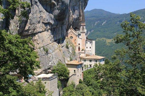 Santuario Basilica Madonna della Corona