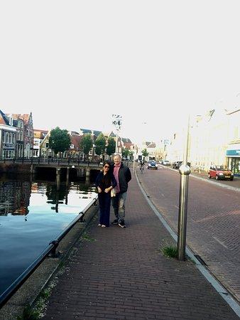 เมืองที่สวยงามกลางเกาะ Friesland