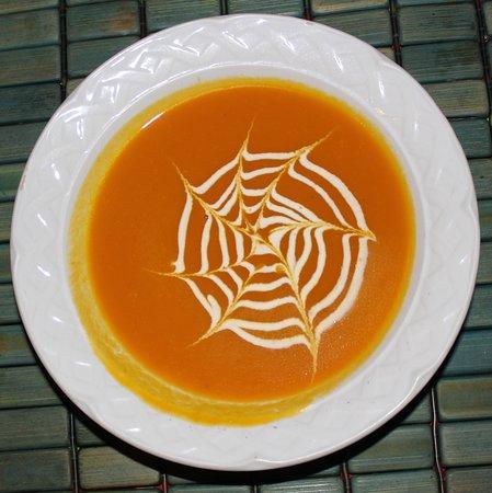 Mayan Beach Garden: Wonderful carrot soup.