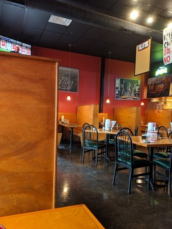 Johnny's New York Style Pizza: Dining room with tables and booths