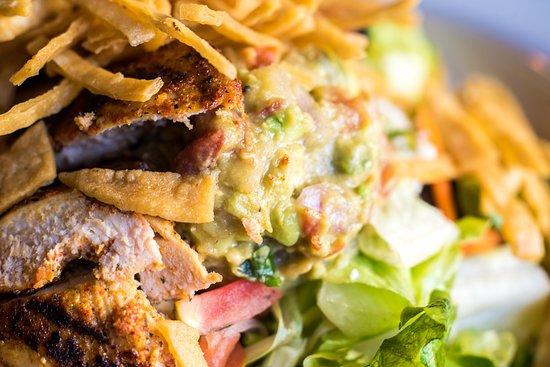 Cactus Bar & Grill: Salad