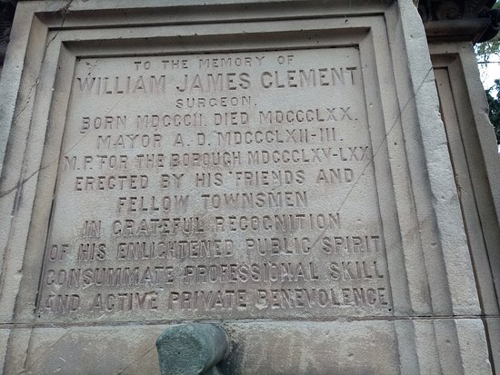 The plaque on the plinth