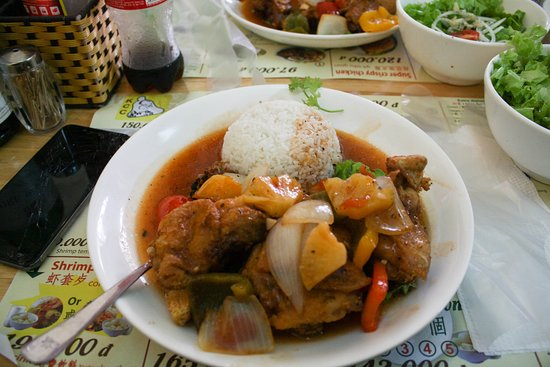 Kim Chuong Chicken: This is the sweet and sour chicken that i ate a few times haha its quite good. Excellent taste . You should try it while you are in Da Nang .