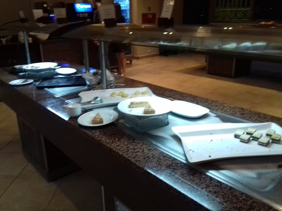 State of deserts section at 20.55 restaurant doesn't close until 21.30