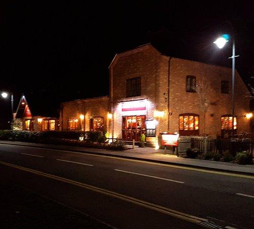 The Red Carpet Cinema Amp Cafe Bar Barton Under Needwood