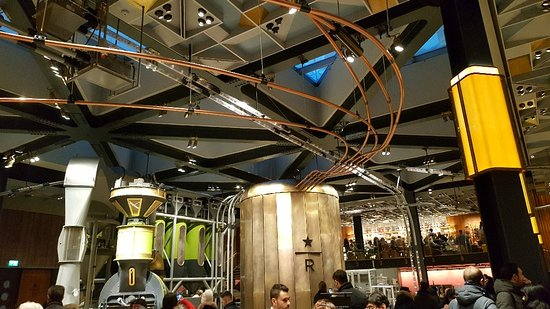 Starbucks Reserve Roastery: Starbucks