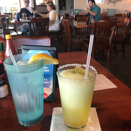 San Leon, TX: My beverages - water with lemon and a really potent Cadillac 'Rita.