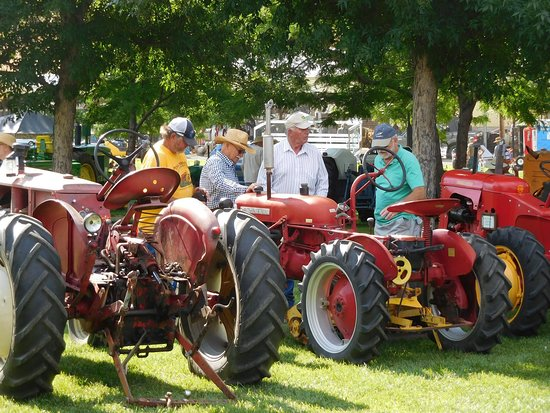 Union Gap, WA: The Pioneer Power Show & Swap Meet attracts people from throughout the region!