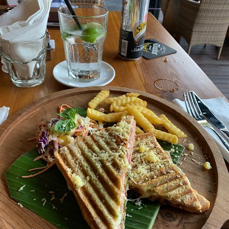 Nice little restaurant central Sanur
