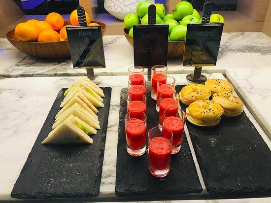 M Club - cocktail hour food