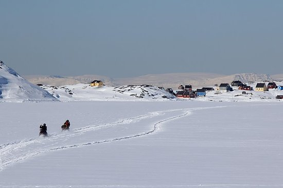 Snowmobile Guided Tour to Oqaatsut...