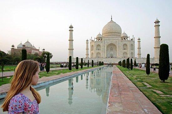 Excursão privada ao Taj Mahal com voos...