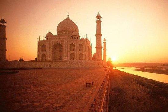 Soloppgangstur på Taj Mahal