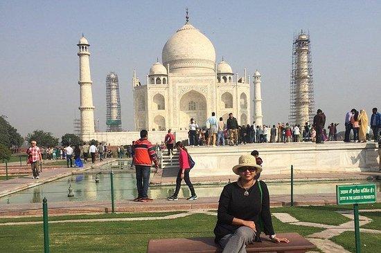 Viagem Privada de um dia ao Taj Mahal e...