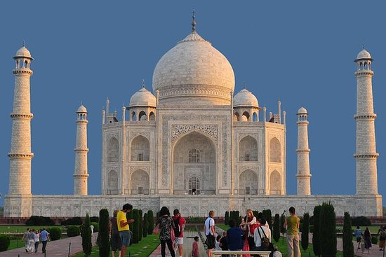 Day Trip to Agra from Delhi Including...