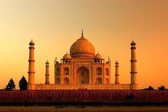 Taj Mahal privado no nascer do sol e...