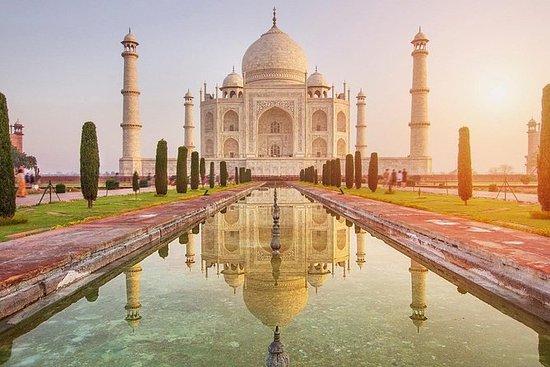 Fra Delhi: Soloppgang Taj Mahal...