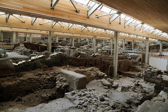 Akrotiri guided tour