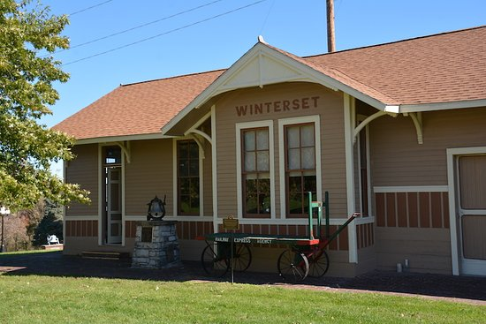 Winterset train station