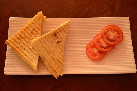 Namunamu Coffee & Bakery: cheesy sandwich
