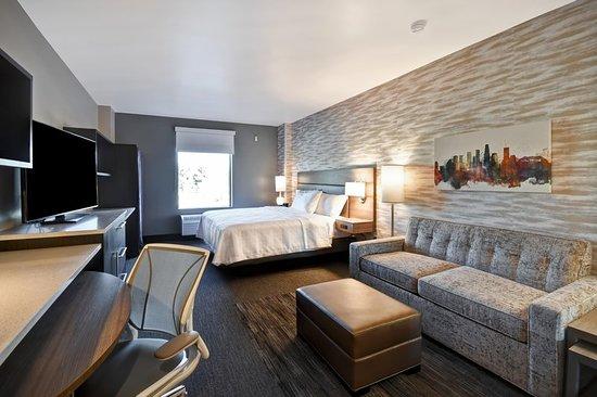 Montebello, CA: Suite