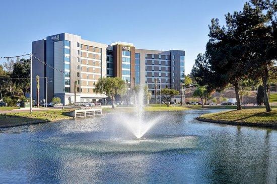 Montebello, CA: Exterior
