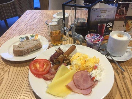 Hotel Focus Premium Inowrocław: Шведский стол