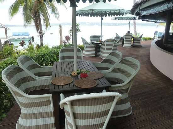 Aore Island Resort: Outdoor dinning area