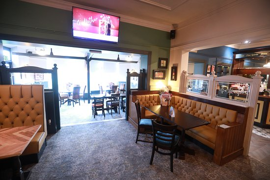 The Gardeners Arms: Relax and unwind in our lounge