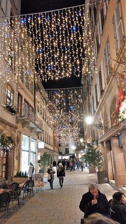 Christmas Market (Christkindelsmarik): Starssenzug