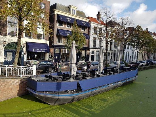 เนเธอร์แลนด์: Ελληνικο ουζερι..!!!