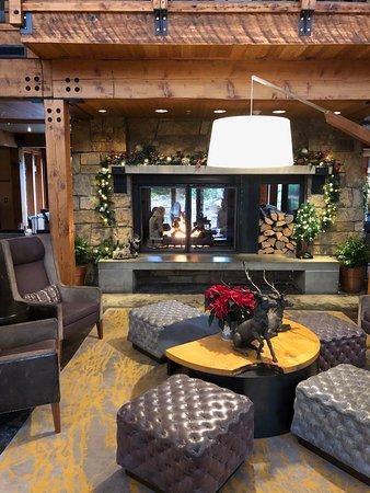 Fireside Lounge : beautiful inside