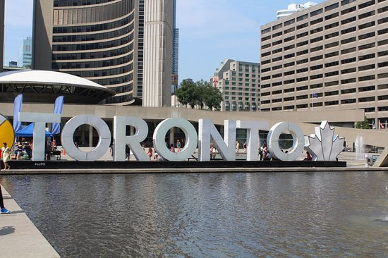 Toronto homestay offers homestay accommodation in Toronto, Ontario Canada with accommodation and all meals included, WIFI and laundry access, and airport transportation pick-up online reservations at https://www.studentshometoronto.com
