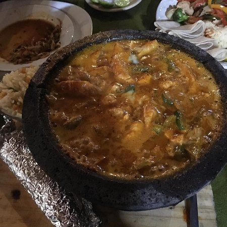 El Manglito: This is the chicken molcajete when still bubbling.