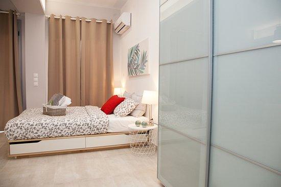 Chic Apartment https://my.matterport.com/show/?m=c7JLqXVtrNG