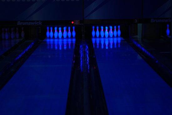 ARENA Bowling & Billiards