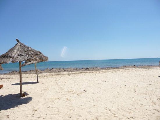 SplashWorld Venus Beach: пляж, но пока с водорослями
