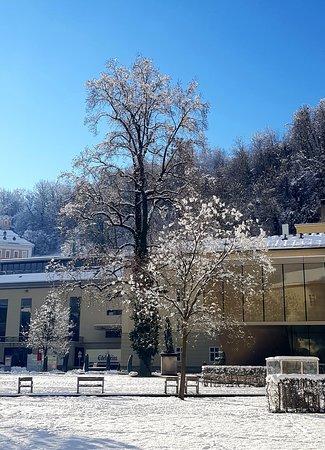 """Зима в Зальцбурге - просто шедевральна! Не наглядеться - не налюбоваться! ***** Фото с моей Экскурсии """"Нескучные Прогулки по Сцене Мира"""" ***** Ваш профессиональный Гид в Зальцбурге - Андрей Зальпиус"""