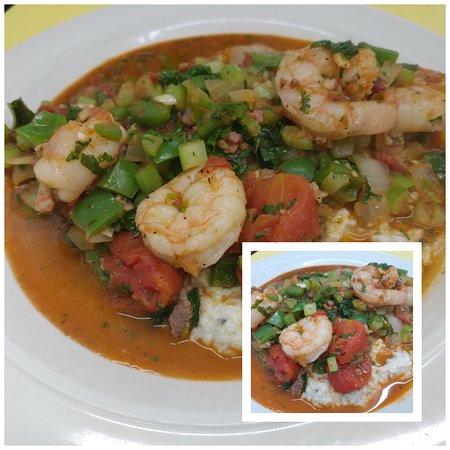 Glendale Springs, Caroline du Nord : Shrimp and Grits - On our new Winter Menu