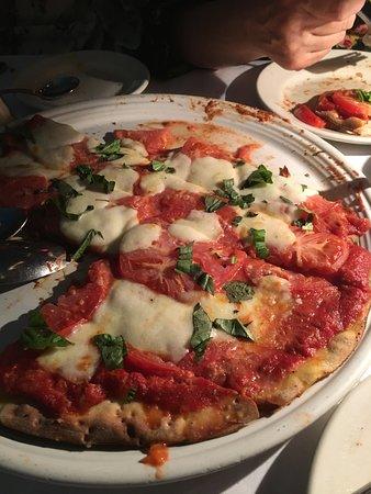 Italian Village Restaurant: Great meal, terrible valet!