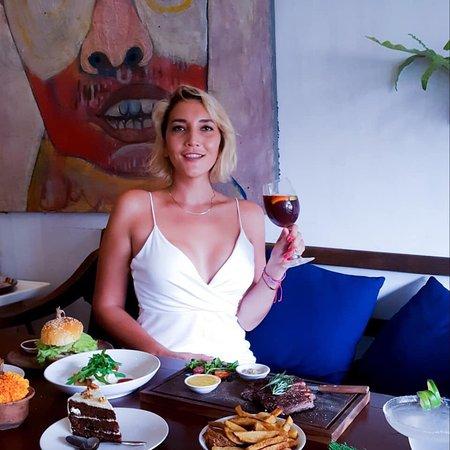 MyWarung Ubud: #Repost 📸 @galya_na_bali  - Ребята , если вы Будете на Бали , и захотите вкусно поужинать или пообедать ! Все сюда 😍- @mywarung #mywarung Для веганов 🌱там  тоже есть из чего выбрать))) Guys, if you Will be in Bali, and want to have a delicious dinner or lunch!  here 😍- @mywarung #mywarungubud  Its really amazing steak 😋😋😋 And best food in Ubud for me💞