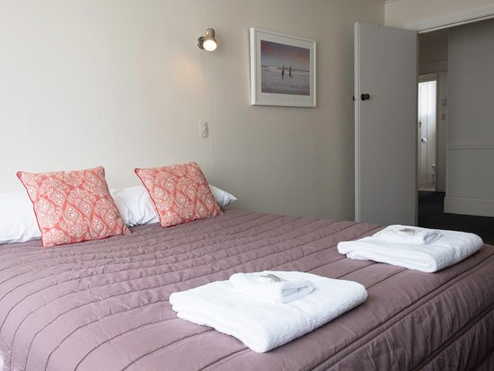 Beach Lodge Motel: Group bookings welcomed in our large units that can hold up to 11 guests.